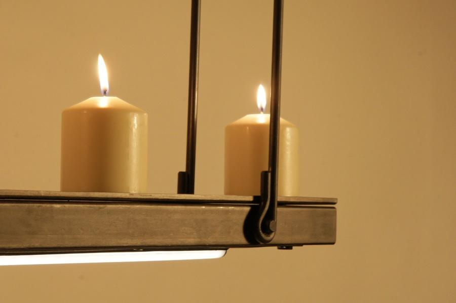 Hanglamp met kaarsen een fraai design exclusief en landelijk for Wandlamp boven eettafel